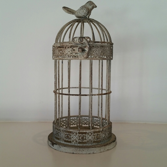 METAL RUSTIC CAGE WITH A CHARMING TINY BIRD ON TOP
